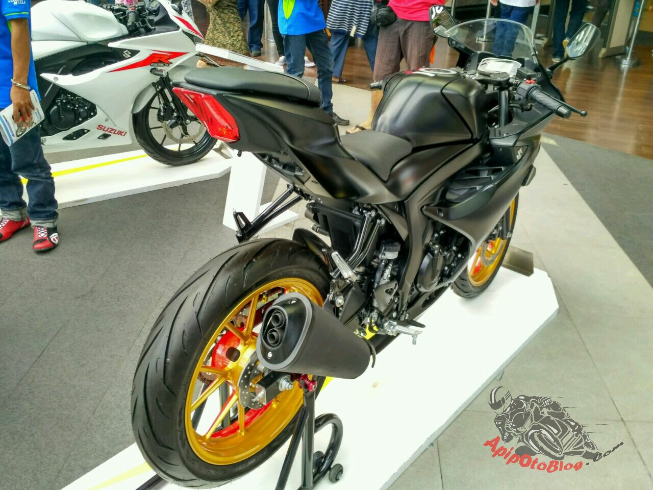 Modifikasi Suzuki GSX R150 Black Matte Ala Dealer , Dengan